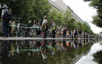 Ανθρώπινη αλυσίδα κατά του ρατσισμού στο Βερολίνο