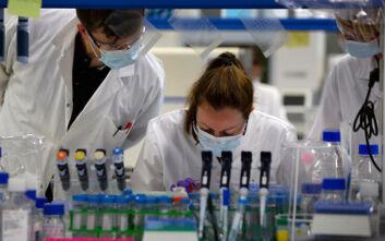 Εμβόλιο για τον κορονοϊό: 1.600 εθελοντές θα συμμετάσχουν στη 3η φάση των κλινικών δοκιμών