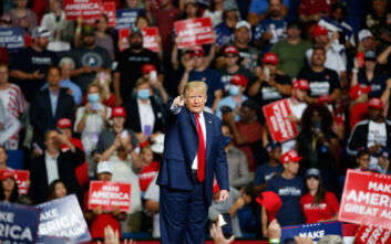 Ο Τραμπ ακύρωσε το Εθνικό Συνέδριο του Ρεπουμπλικανικού Κόμματος στη Φλόριντα
