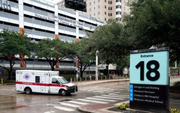 Μακάβρια παραγγελία σε Τέξας και Αριζόνα όπου αυξάνονται οι νεκροί από την πανδημία