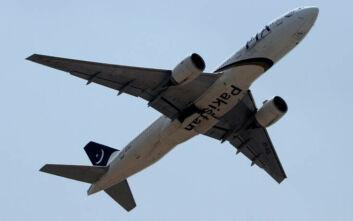 Αεροπορική εταιρεία στο Πακιστάν καθηλώνει το 1/3 των πιλότων της λόγω υποψιών για «ύποπτα» διπλώματα