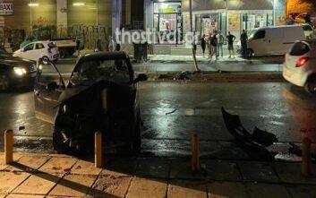 Θεσσαλονίκη: Αυτοκίνητο καρφώθηκε σε κολόνα - Εγκλωβίστηκε η συνοδηγός