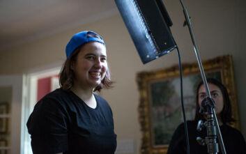 You Can Still Smile: Το βίντεο Ελληνίδας για τη χρήση μάσκας που ενθουσίασε τους κατοίκους και τον κυβερνήτη της Νέας Υόρκης