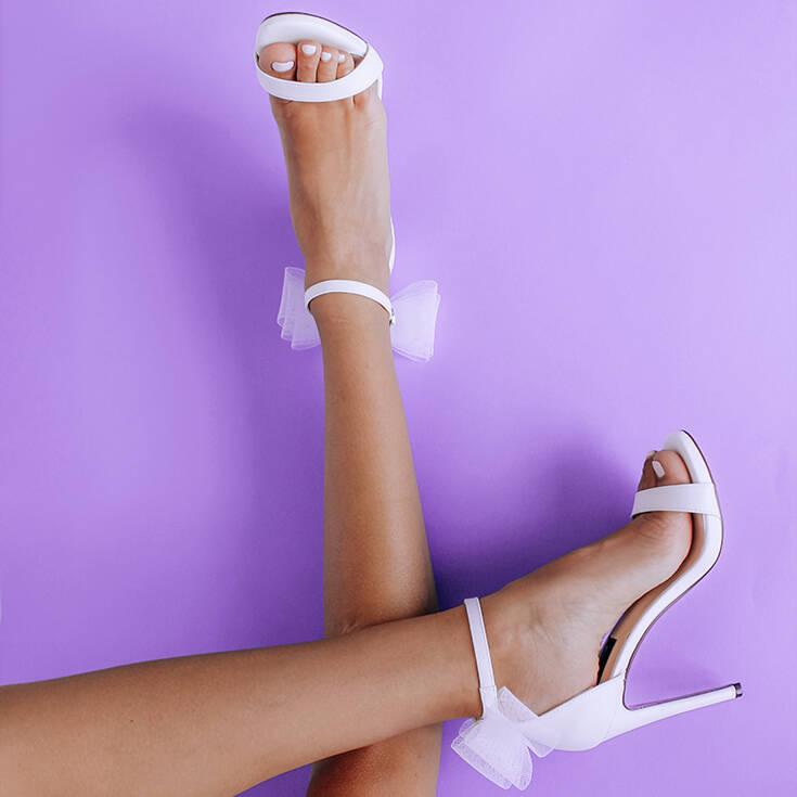 Το IQ Shoes ανανέωσε την εμφάνιση του και ήρθε η ώρα να ανανεώσετε και εσείς τη συλλογή των παπουτσιών σας
