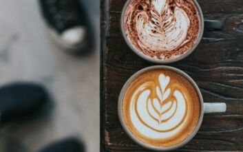 Πώς να ετοιμάσετε ποιοτικό αφρόγαλα στο σπίτι για τέλειους καφέδες
