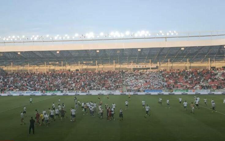 «Ντου» οπαδών της Ντέμπρετσεν και προπηλακισμός στους παίκτες μετά από υποβιβασμό