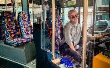 Η 22χρονη Νεσλιχάν είναι η πρώτη γυναίκα οδηγός στο τιμόνι των Αστικών Κομοτηνής