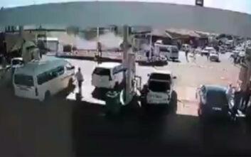 Τρελή πορεία φορτηγού μέσα σε αγορά, σάρωσε τα πάντα και σκότωσε οκτώ ανθρώπους