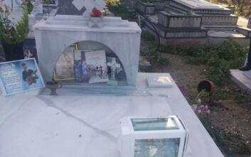 Ανώγεια: Μήνυση για τη βεβήλωση του τάφου του Λευτέρη Καλομοίρη