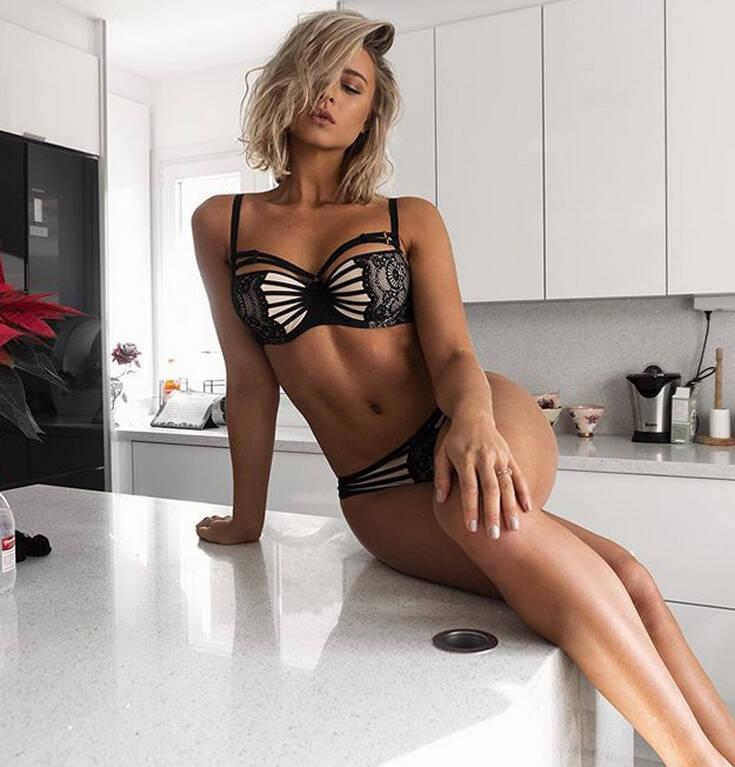 Η σέξι γυμνάστρια που σε κάνει να αφήσεις τον καναπέ σου