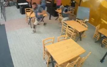 Ηράκλειο: Ντεπόζιτο έπεσε σε μέλη συνεργείου που εργάζονταν σε καφενείο