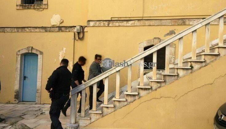 Συνεχίζεται η δίκη του καθηγητή στα Χανιά που κατηγορείται για ασέλγεια σε μαθήτριές του