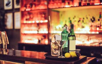 Απαγορεύεται η χρήση του μπαρ σε όλους τους εσωτερικούς χώρους των κέντρων διασκέδασης