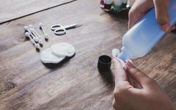 Πού μπορείτε να χρησιμοποιήσετε το ασετόν εκτός από τα νύχια σας