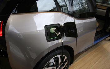 Αύξηση ρεκόρ για τα σημεία φόρτισης των ηλεκτρικών αυτοκινήτων