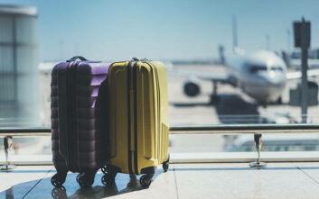 Mirror: Αεροπορικές εταιρείες ακυρώνουν τις διακοπές και τις πτήσεις των Βρετανών στην Ελλάδα