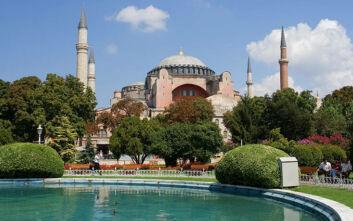 Μενδώνη: Η Αγία Σοφία δεν πρέπει να μετατραπεί σε μουσουλμανικό τέμενος