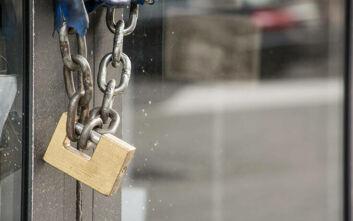 «Καμπάνα» 2.000 ευρώ σε ιδιοκτήτη καφετέριας στην Κατερίνη που αψήφησε τα μέτρα για τον κορονοϊό