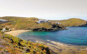Η ερημική παραλία της Μυκόνου που δεν θυμίζει ότι βρίσκεστε στο νησί των Ανέμων