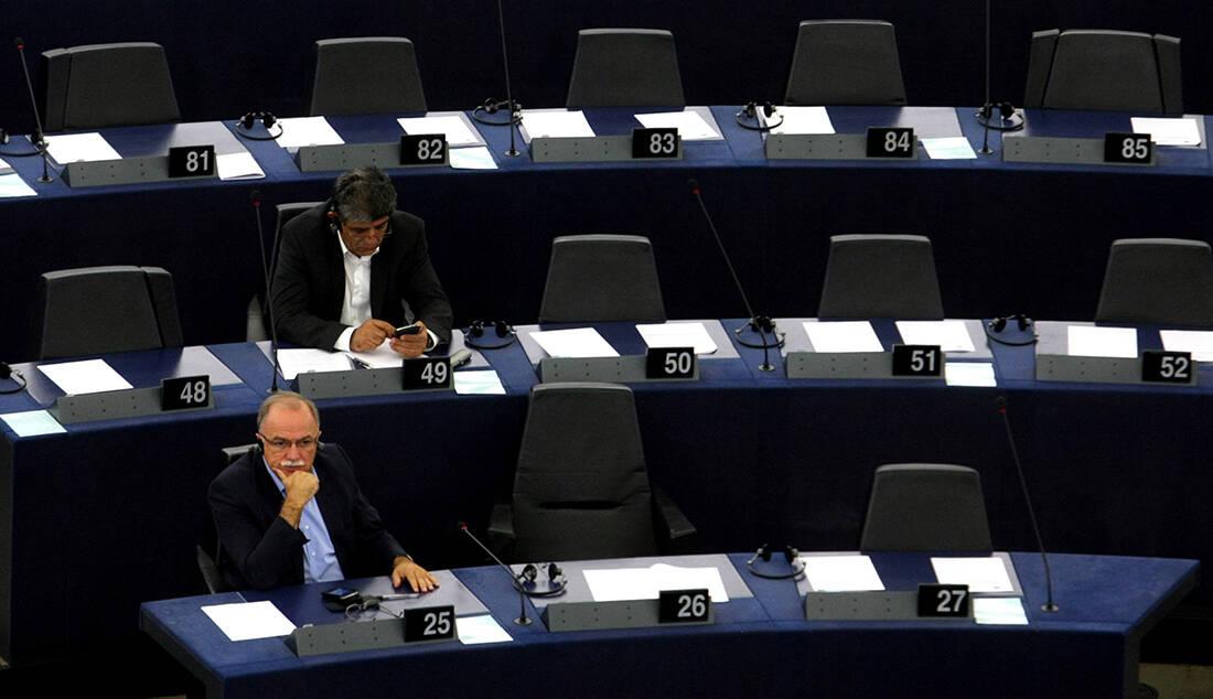 Πόσα λεφτά εισπράττει το μήνα ένας ευρωβουλευτής 4