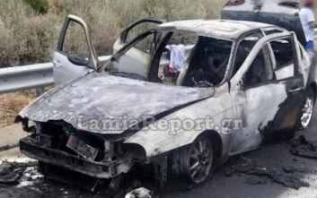 Στυλίδα: Εικόνες από αυτοκίνητο που κάηκε ενώ κινούνταν στην Εθνική οδό