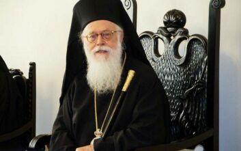 Αρχιεπίσκοπος Αναστάσιος: Πλησιάστε μεταξύ σας πνευματικά, αλλά κρατάτε τις αναγκαίες αποστάσεις