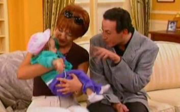 """Χαμός για το μωρό από το «Κωνσταντίνου και Ελένης»: «Σας λέει ψέμματα! Η δική μου κόρη είναι το """"Χρυσάνθεμο""""»"""