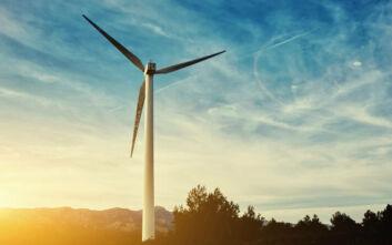 Πώς η αιολική ενέργεια συμβάλλει στη μείωση των εκπομπών αερίων του θερμοκηπίου