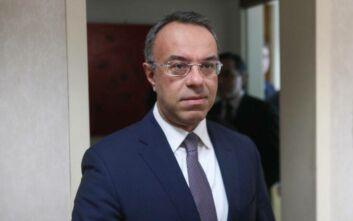 Τους τραυματίες της επίθεσης με τσεκούρι στη ΔΟΥ Κοζάνης πήγε να δει ο Χρήστος Σταϊκούρας