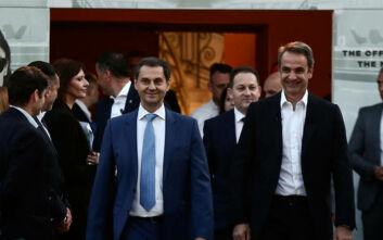 ΣΥΡΙΖΑ: Θα διώξει τον κ. Θεοχάρη ο πρωθυπουργός ή αναλαμβάνει την ευθύνη για το μπάχαλο στον τουρισμό;