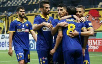 Η ΑΕΚ συνέτριψε με 4-1 τον Άρη στη Θεσσαλονίκη και προσπέρασε τον ΠΑΟΚ