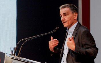 Τσακαλώτος: Δεν μπορεί να στηριχθούν τα μεσαία στρώματα με τις πολιτικές της ΝΔ