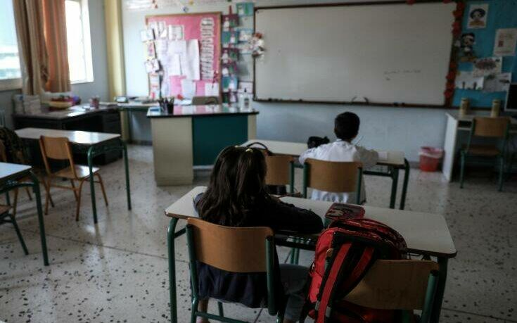 Θεοδωρικάκος: Δωρεάν οι μάσκες για τους μαθητές στα σχολεία