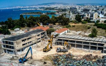 Μπήκαν οι μπουλντόζες στο Ελληνικό: Εικόνες από τα έργα κατεδάφισης που ξεκίνησαν