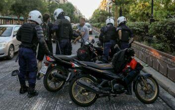 Ελεύθεροι με περιοριστικούς όρους οι συλληφθέντες της ΑΣΟΕΕ: Τους απαγορεύτηκε να πηγαίνουν στα Εξάρχεια