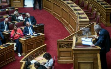 O ΣΥΡΙΖΑ αποχώρησε από τη συνεδρίαση για τον Παπαγγελόπουλο - «Σας αφήνουμε μόνους σας να το ευχαριστηθείτε»