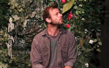 Ο Ορέστης Τζιόβας σε ρόλο-έκπληξη στο «Καφέ της Χαράς»