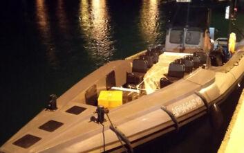 Σκάφος με ροφούς και συναγρίδες στα Χανιά... έκρυβε όπλα, πυρομαχικά και λαθραίο καπνό ναργιλέ