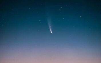 Κομήτης Neowise: Εντυπωσιακή φωτογραφία από τη Σάμο υποψήφια για διεθνή διάκριση