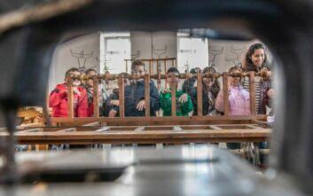 Mαθητές και μαθήτριες από την Τήνο έφτιαξαν τον δικό τους πολιτισμικό οδηγό