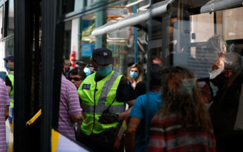 Τρομάζει η διασπορά του κορονοϊού - Στο «κόκκινο» Αθήνα και Θεσσαλονίκη - 52 κρούσματα σε δύο ημέρες
