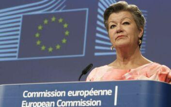 Γιόχανσον: Πιθανότατα τον Σεπτέμβριο θα παρουσιαστεί η πρόταση για το Σύμφωνο για τη Μετανάστευση και το Άσυλο
