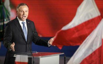 Πολωνία: Ο απερχόμενος πρόεδρος κατηγορεί τη Γερμανία για ανάμειξη στις εκλογές