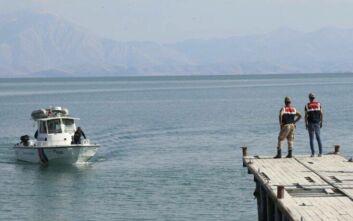 Περισσότεροι από 40 οι νεκροί μετανάστες από τη βύθιση πλοιάριου σε λίμνη της Τουρκίας