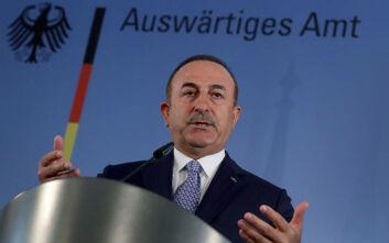 Τσαβούσογλου: Η Γαλλία δεν λέει την αλήθεια σε ΝΑΤΟ και ΕΕ - Στέλνουν όπλα στον Χαφτάρ