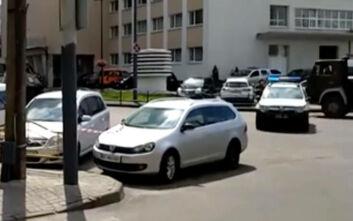 Συναγερμός στην Ουκρανία: Βίντεο από πυροβολισμούς σε ομηρία λεωφορείου