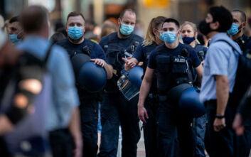 Αστυνομικοί σε διαθεσιμότητα για φιλοναζιστική συμπεριφορά στη Γερμανία