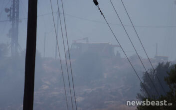 Φωτιά στη Βάρη: Οι πρώτες εικόνες - Άνοιξαν τα δύο ρεύματα της Βάρης-Κορωπίου