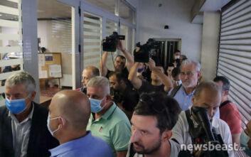Αστυνομικός σε γιατρό στο υπουργείο Υγείας: Γιατρέ, φόρα μάσκα