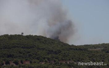 Μεγάλη φωτιά στο Λαύριο: Οι πρώτες εικόνες